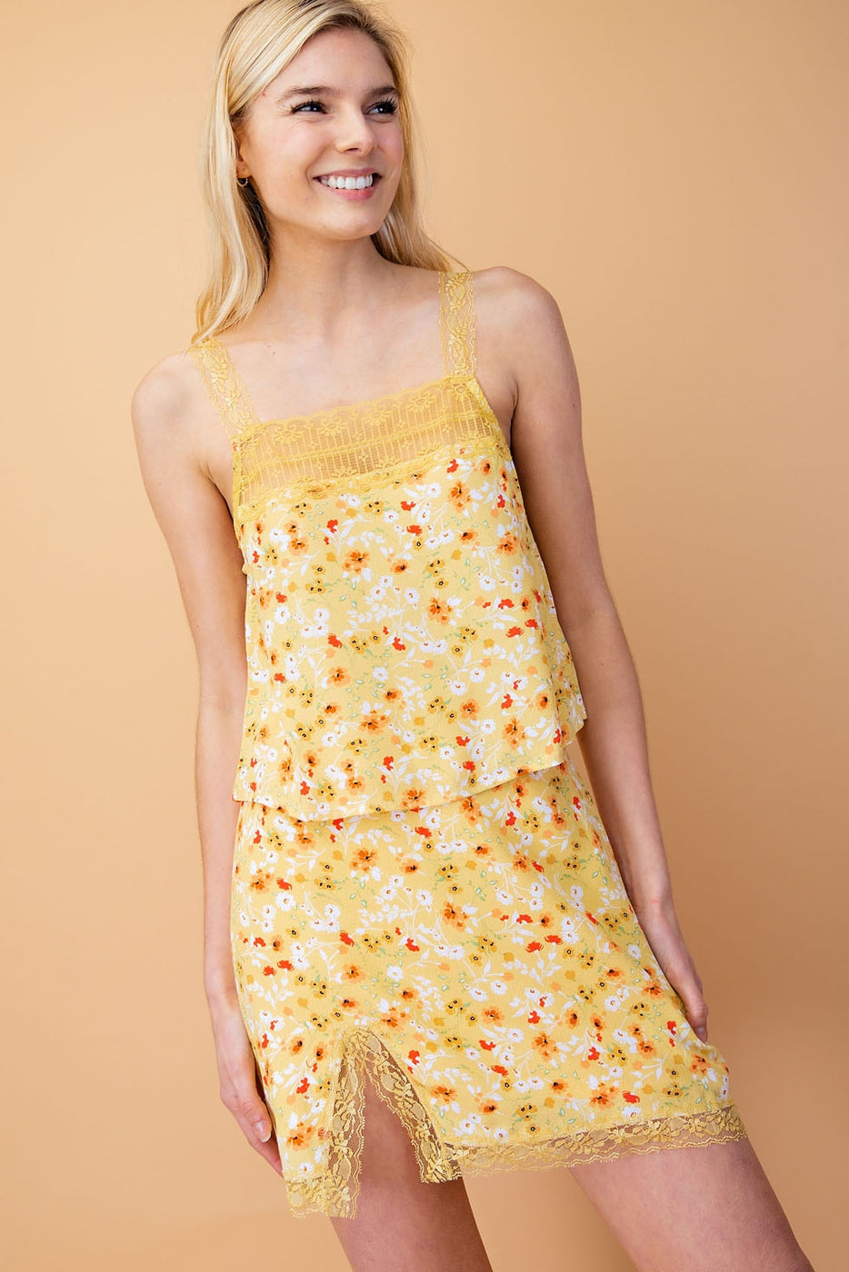 Floral Print Tank Top With Lace Trim Detail Siin Bees