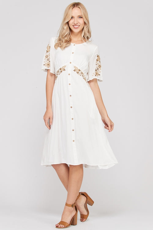 Emily Short Sleeve Midi Dress Diagonal Embroidery In Ivory Siin Bees