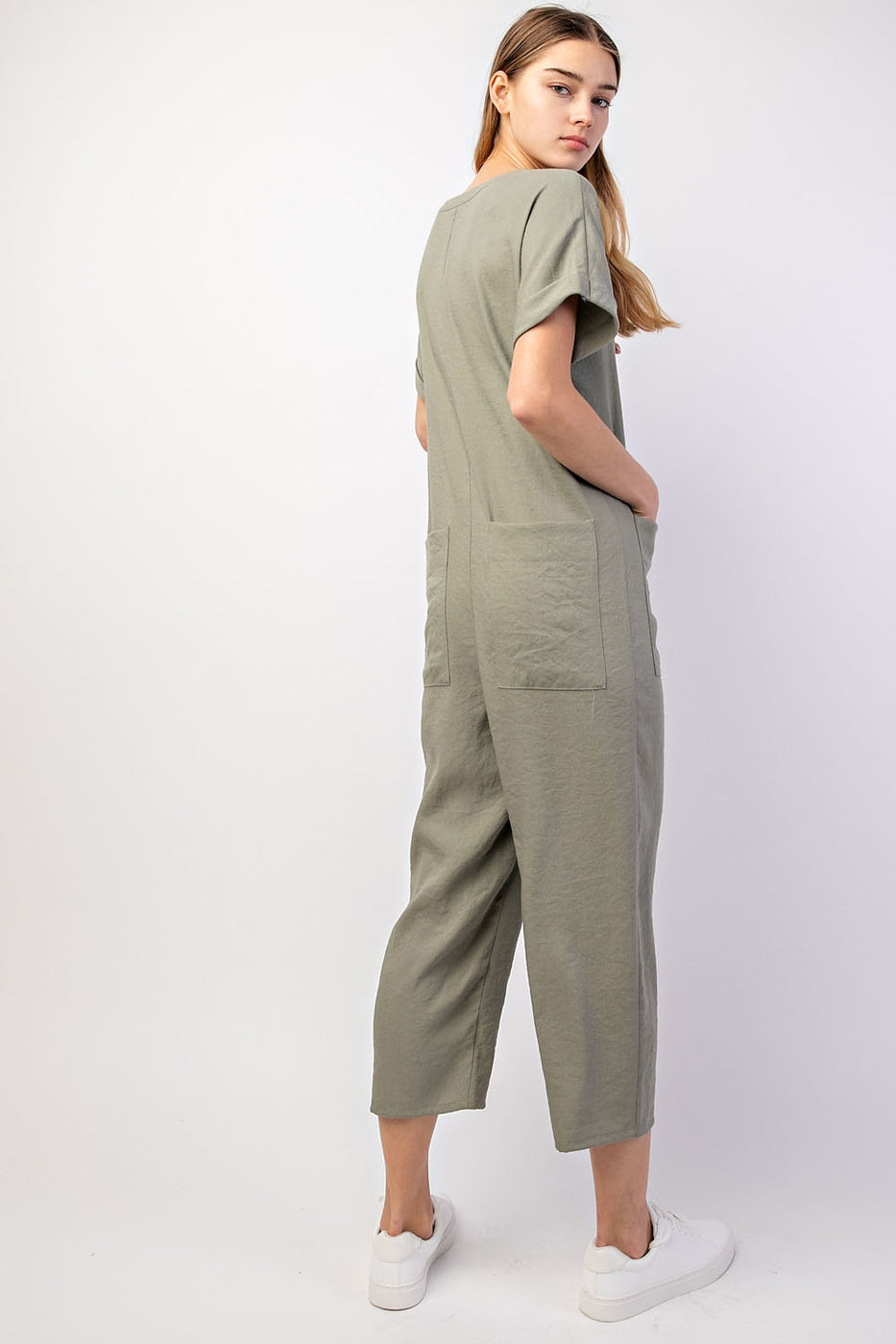 Molly Short Sleeve V-Neck Jumpsuit With Pockets And Button Closure Siin Bees