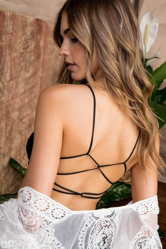 A seamless crisscross back straps, Cups are lined stretch-knit Bralette Siin Bees