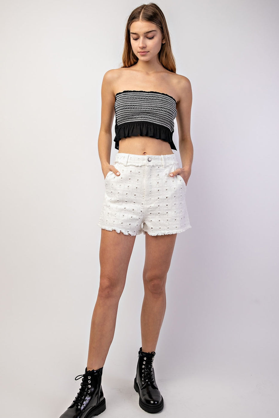 Trim Shorts With High Waisted Distressed Siin Bees