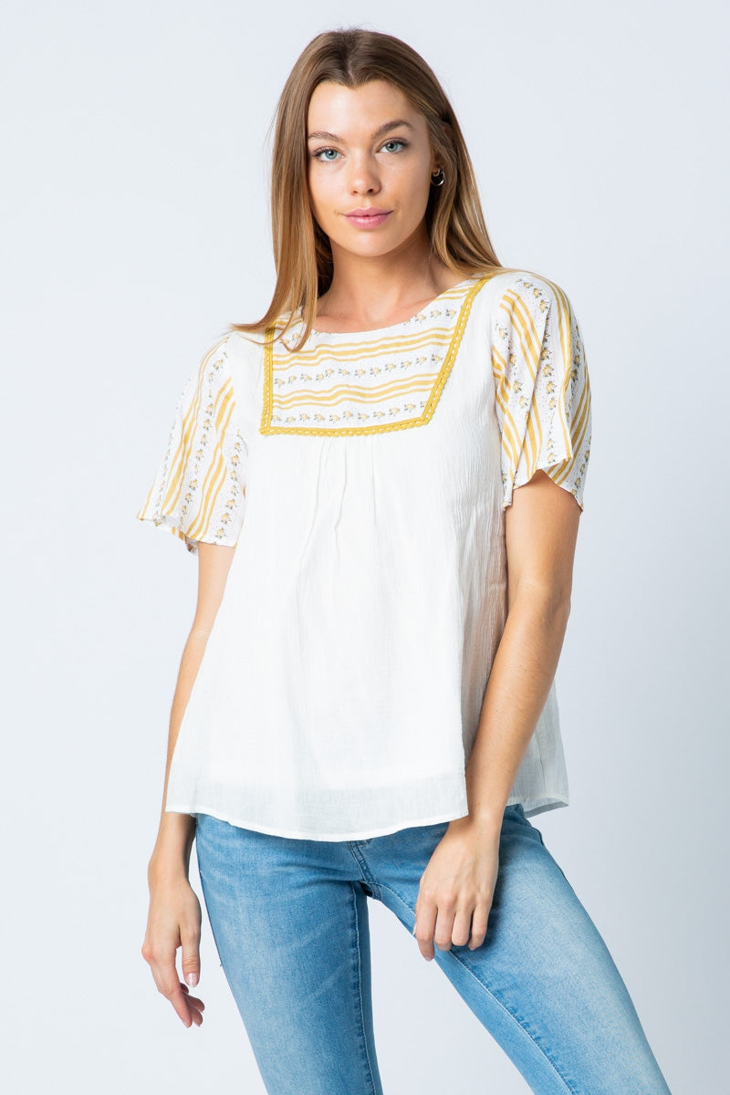 Lace Short Sleeve Top And Contrast Detail - Siin Bees