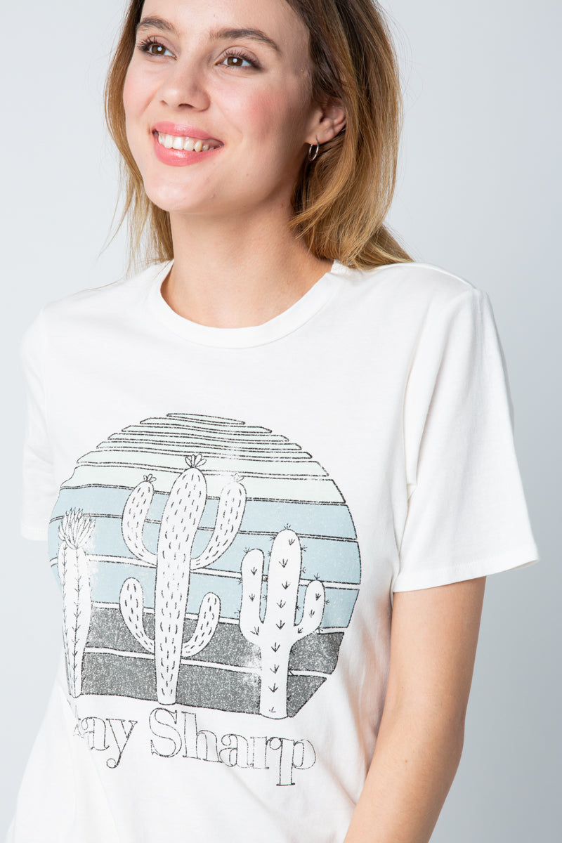Graphic Short Sleeve Top Stay Sharp In Ivory Siin Bees