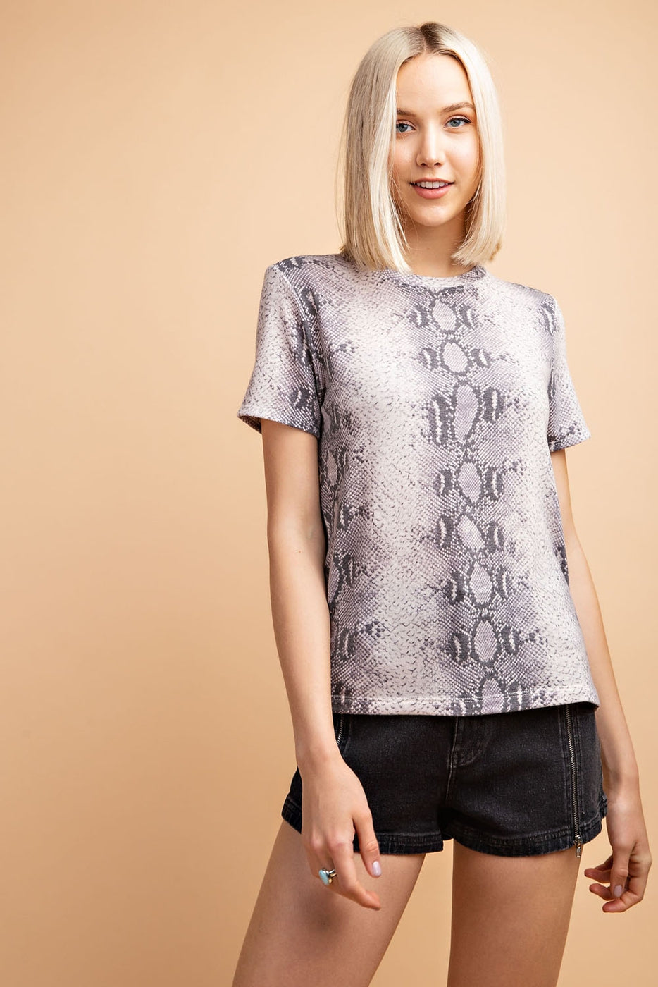 Short Sleeve Snake Print T-Shirt In Grey Siin Bees