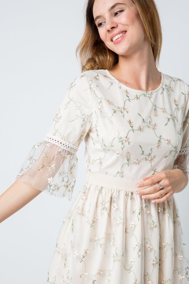 Lucy Lace Midi Dress Embroider In Cream Siin Bees