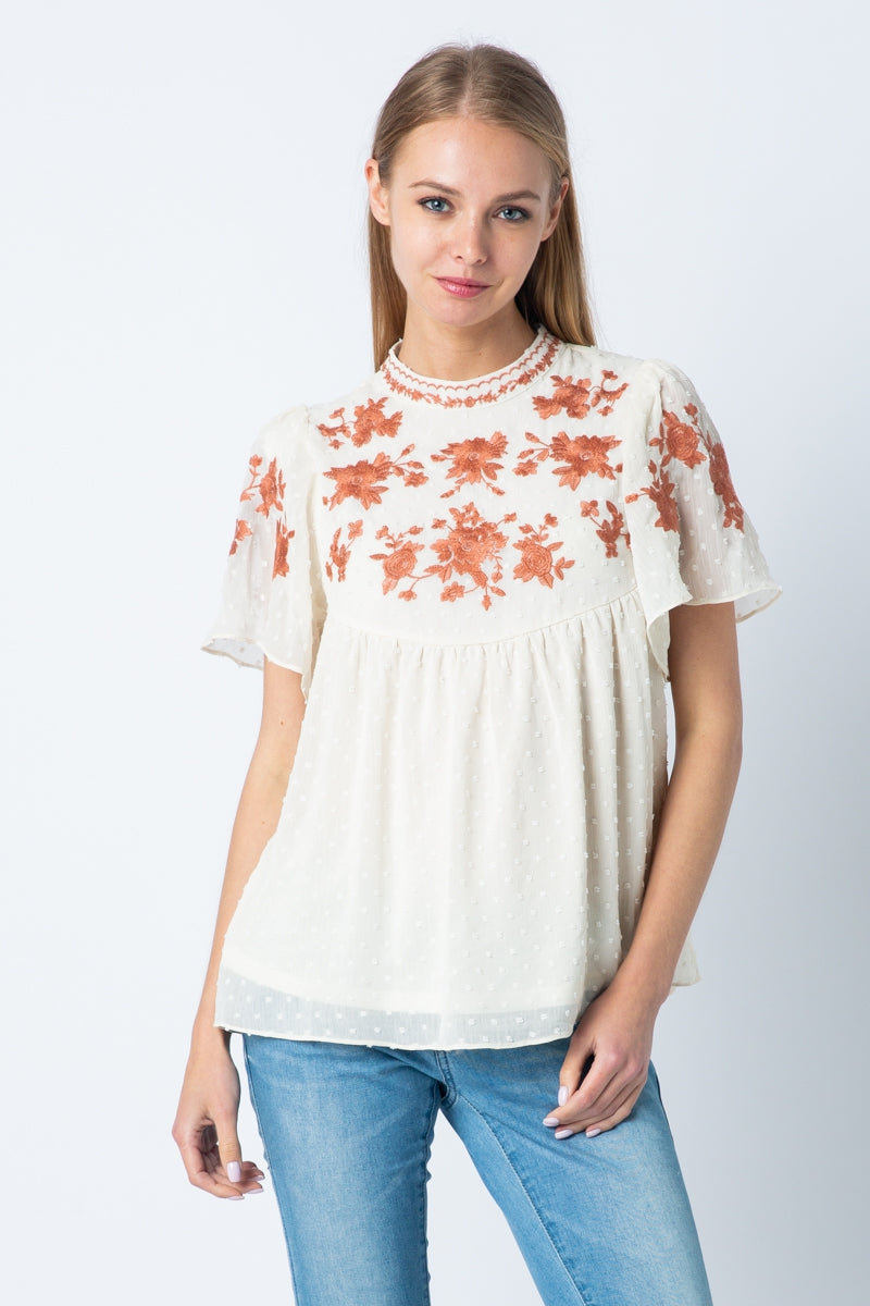 Short SleeveTop Swiss Dot Ruffled Embroidered In Ivory Siin Bees