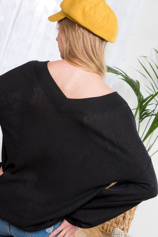 Black Long Sleeve Knit Top with V Neck Siin Bees