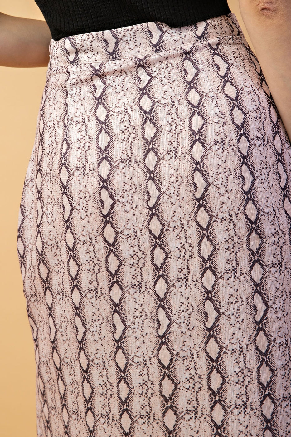 Pencil Skirt With Snake Print Front Slit In Blush Siin Bees