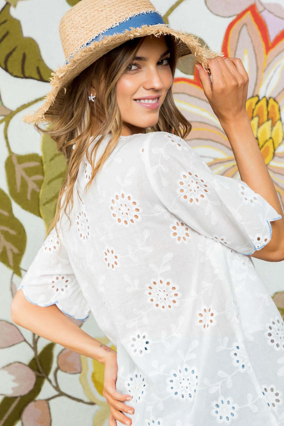 Scallop Edge Detail Embroidered Cotton Top Siin Bees