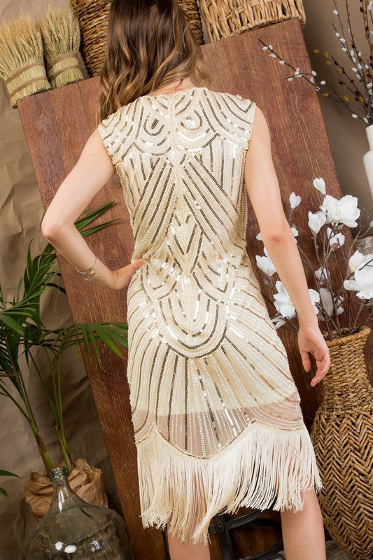 Round Neck Sleeveless Scallope Fringe Edge With Back Zipper Sequin Dress Siin Bees