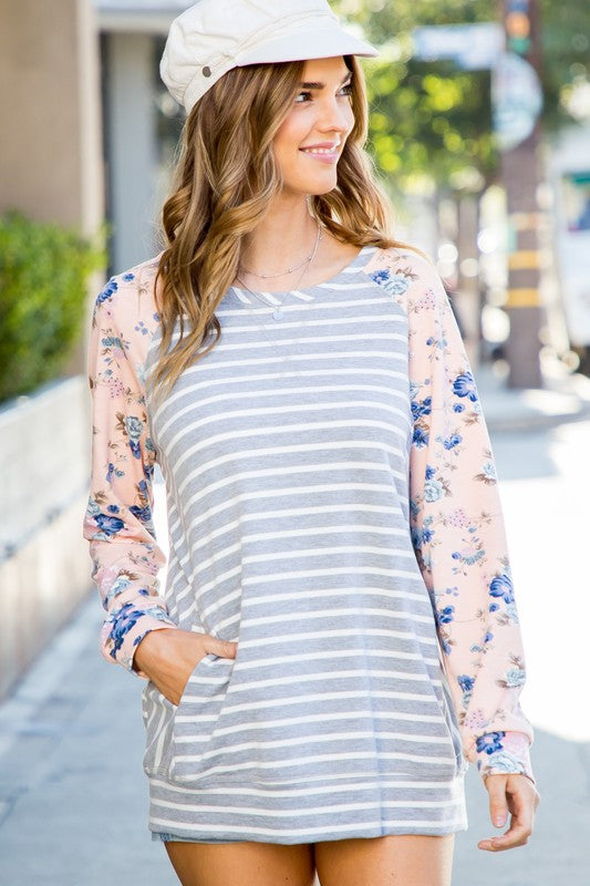 Sleeve Flower Top In Grey Siin Bees
