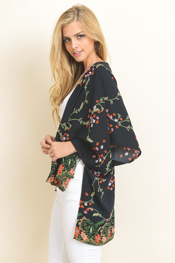 Printed Kimono In Black-Floral Siin Bees