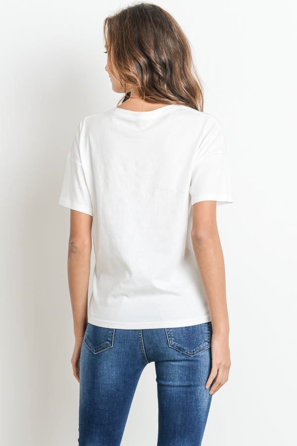 Graphic Top In White Siin Bees