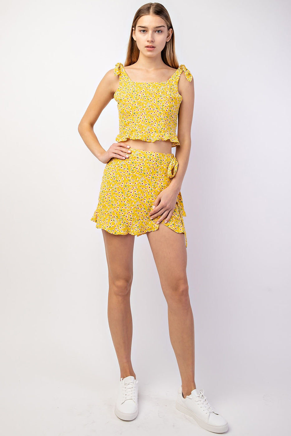 Floral Crop Top With Ruffle Detail And Shoulder Ties - Siin Bees