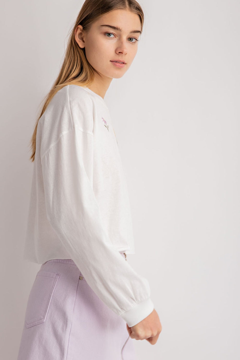 Long Sleeve Floral Detail Sweatshirt In Off-White Siin Bees