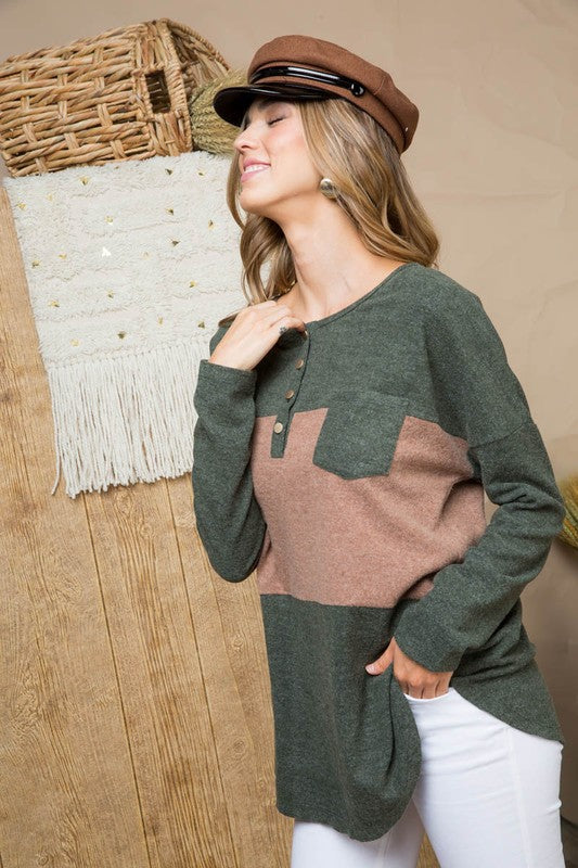 Long Sleeve Knit Tunic Top with Pocket and Button Detail Color Block In Hunter Green Siin Bees