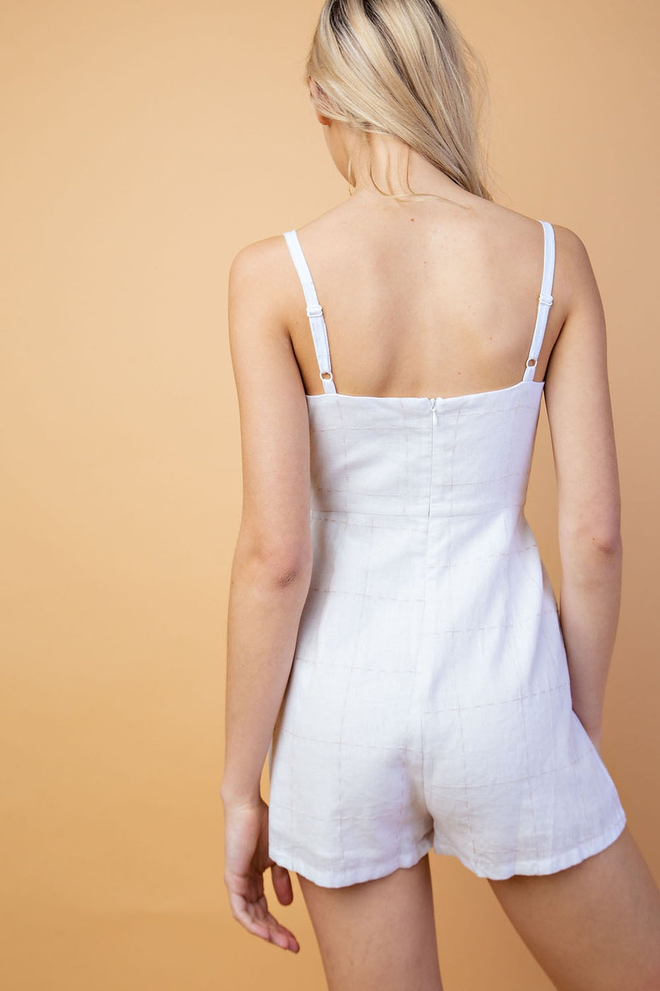 Melody Romper With Linen Texture In White Siin Bees