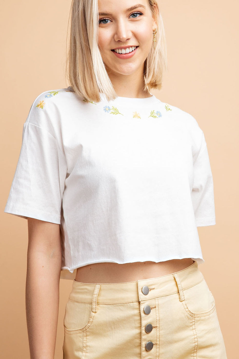 Half Sleeve Floral Embroidered Raw Edge Cropped T-Shirt Siin Bees