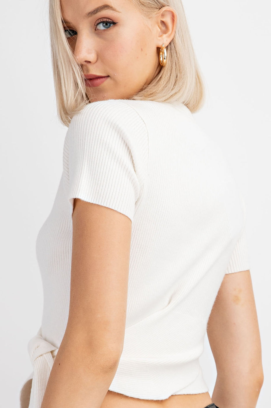 Rib Knit Short Sleeve Wrap Top In Off-White Siin Bees