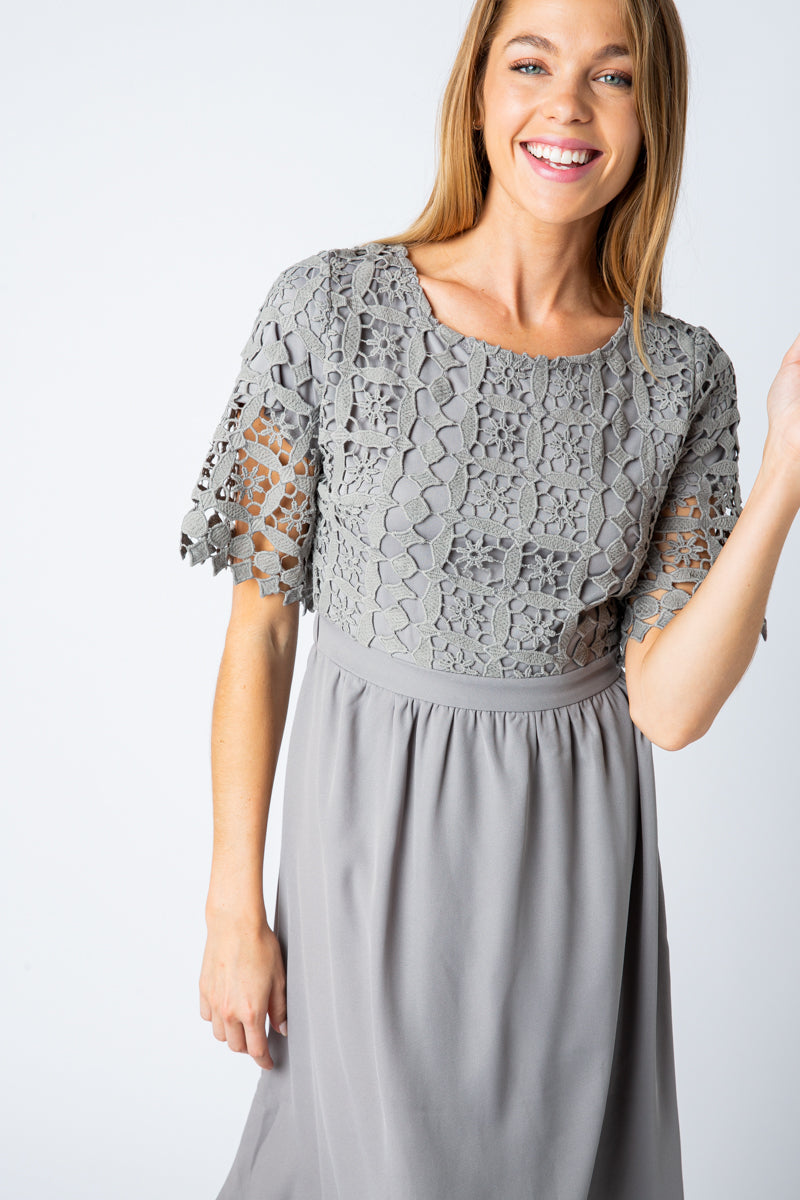 Mariah Lace Top Midi Dress In Slate Siin Bees