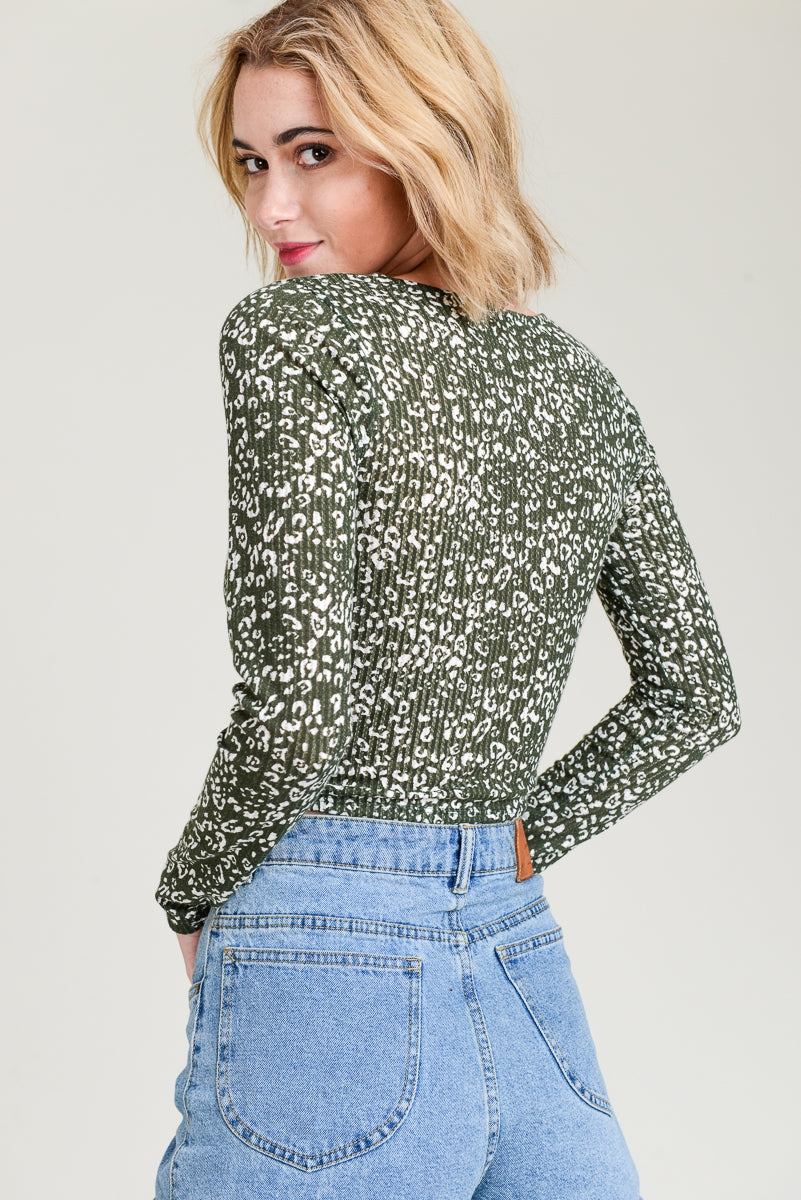 Front Twist Long Sleeve Crop Top Siin Bees