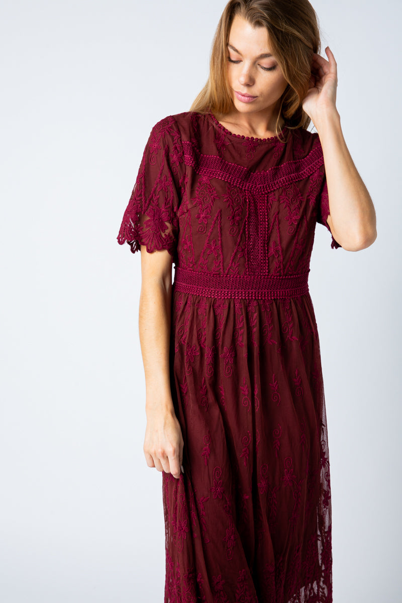 Rachel Midi Dress Lace Embroidered In Burgundy Siin Bees
