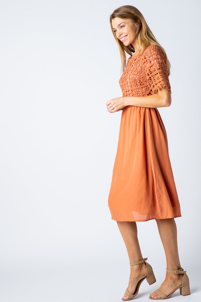 Mariah Lace Top Midi Dress In Apricot Siin Bees