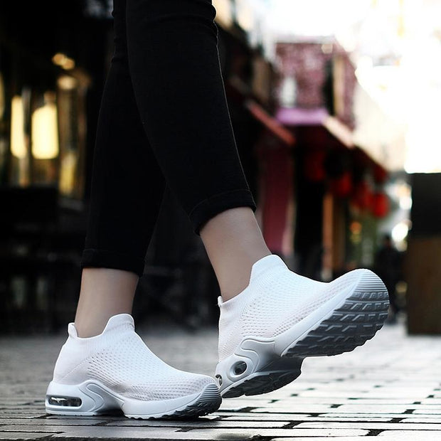 Women's New Breathable Light-weight Wear-resistant Shoes