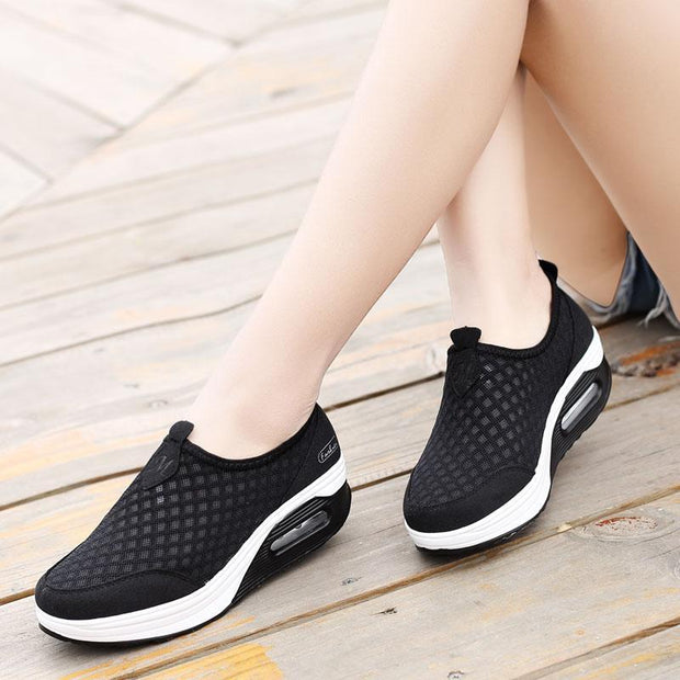 Women's Fashion Slip-on Large Size Air Cushion Shoes