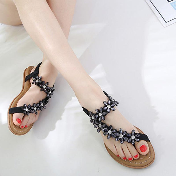 Women Exquisite Rhinestone Flower Flat Sandal Sweet Girls Summer New Female Braethable Comfortable No-slip Beach Sandals 3 Colors