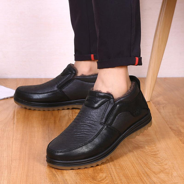 Men's Old Beijing cloth shoes winter warm plus velvet old cotton shoes tendon bottom set feet dad middle-aged plus size shoes