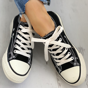 Women's Canvas Daisy Pattern Eyelet Lace-up Sneakers