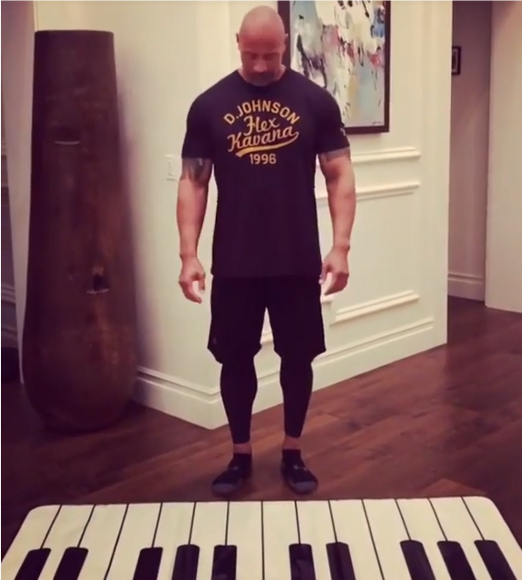 Oversized 24-key Piano dance carpet, Dwayne Douglas Johnson highly recommended. Boys and girls puzzle gift, musical toy. Product size: 260 x 74 cm