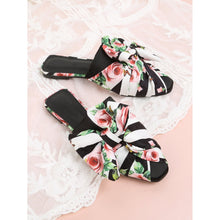 Load image into Gallery viewer, Bow Detail Floral Print Flats