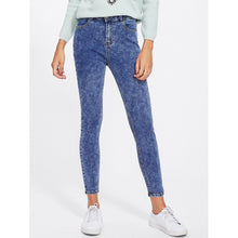 Load image into Gallery viewer, Bleach Wash Skinny Crop Jeans