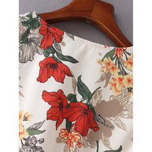 Load image into Gallery viewer, Allover Florals Pep Hem Blouse