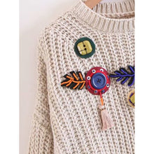 Load image into Gallery viewer, Beaded Detail Wave Hem Chunky Knit Jumper