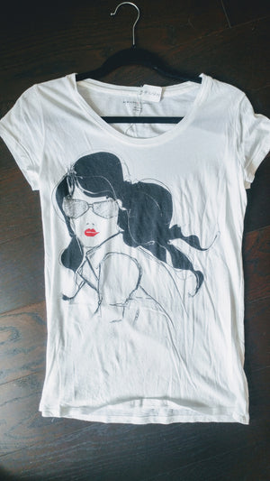 White NY & Co t shirt with girls face size S