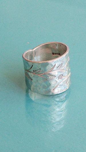 Sterling Silver Greenery Band, size 8