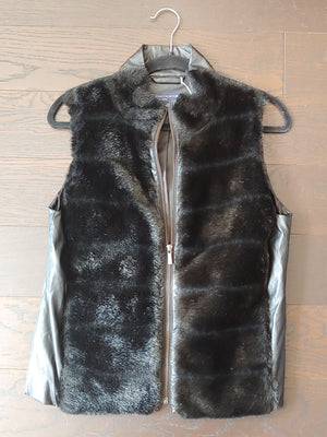 Black Jones New York Faux Fur Vest, size M