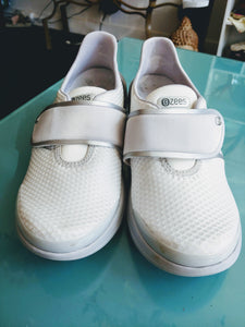 White & Silver Zees Velcro Sneakers, size 8.5