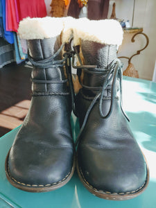 Black Ugg Winter Boots, size 10