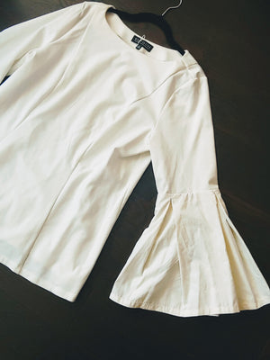 White Eloqui Bell Sleeve Top, size 16