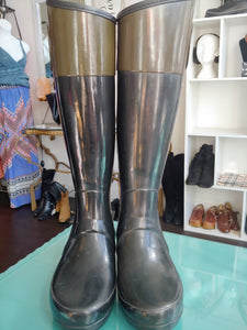 Green and Black Hunter Boots, size 5