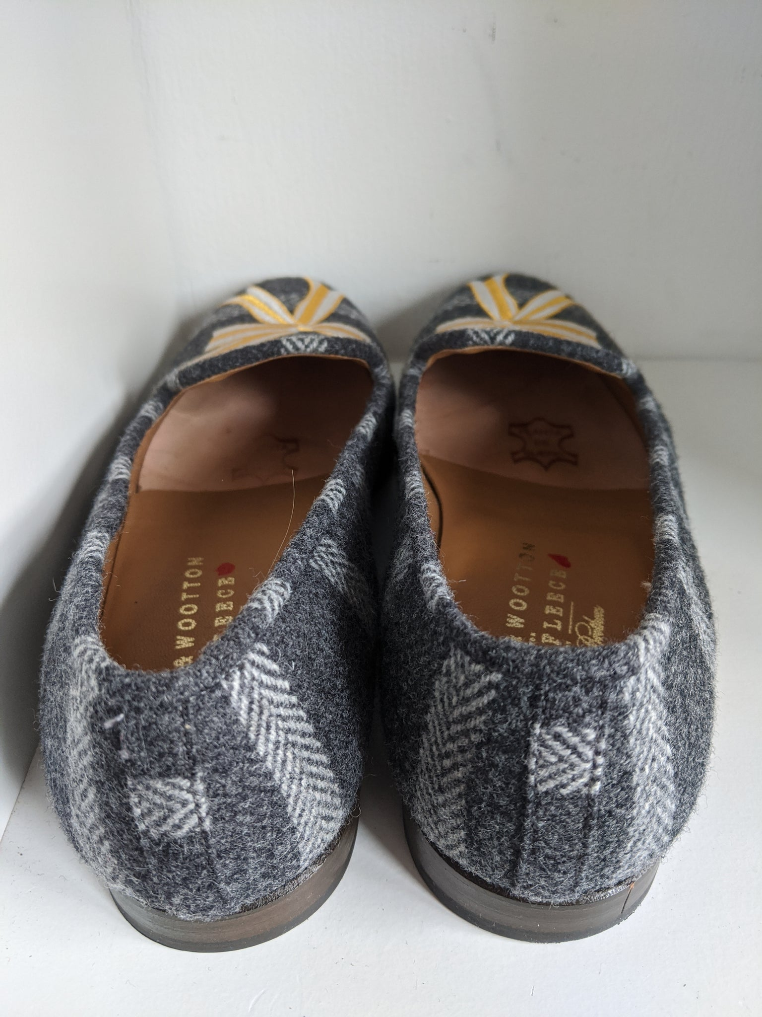 Gray & Yellow Ribbon Stubbs & Wootton Shoes, size 9