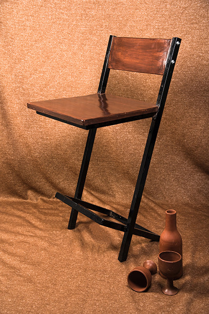 Obtuse High Chair