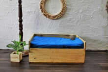 Load image into Gallery viewer, Pet Bed
