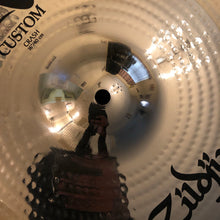 "Load image into Gallery viewer, Zildjian 16"" A Custom Crash Cymbal"