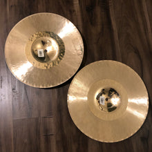 "Load image into Gallery viewer, Zildjian 13.25"" K Custom Hybrid Hi Hat Pair"