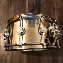"Load image into Gallery viewer, DW Collector's Series Stainless Steel Snare - 14"" x 6.5"""